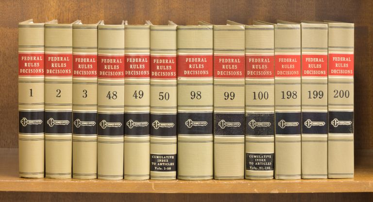 Federal Rules Decisions. Vols. 1-169; 171-200.(1939-2001). 199 books. Thomson Reuters West.