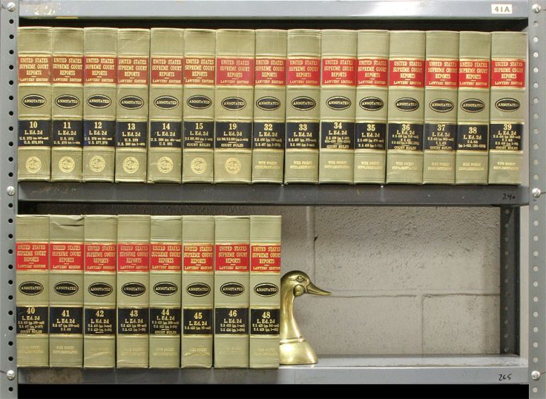 United States Supreme Court Reports L.ed. 2d. 23 Vols. Lawyers Cooperative Publishing Co.