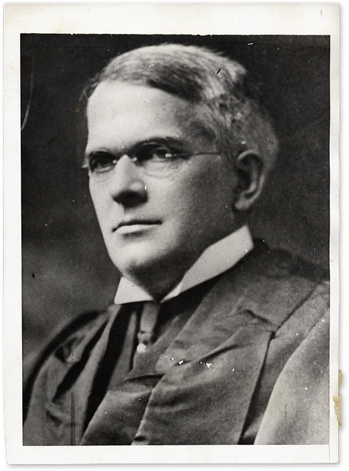 """5"""" x 7"""" Black-and-White Press Photograph of New York State Court. Cuthbert W. Pound."""