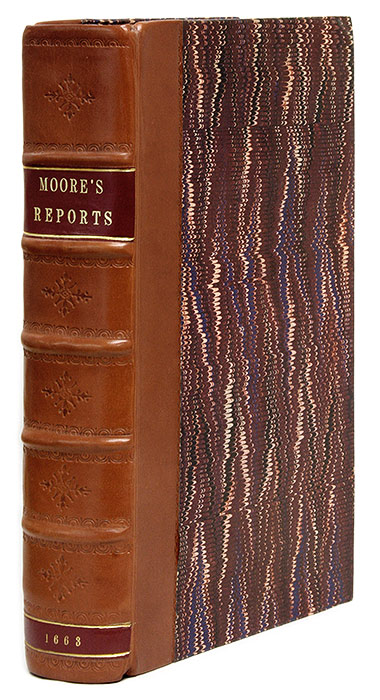 Cases Collect & Report per Sir Francis Moore Chivaler, Serjeant del. Sir Francis Moore, Sir Gefrey Palmer.