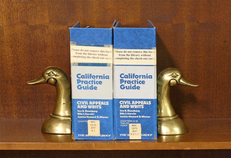 California Practice Guide: Civil Appeals and Writs. 2 Vols 2016 update. Jon B. Eisenberg.