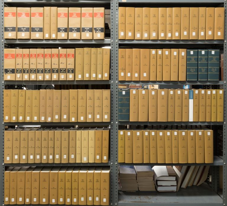 Yale Law Journal. Vols. 71 to 121 (1961-2012). Together 117 books. Yale Law Journal Co.