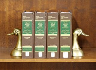 Acquisitions Under the Hart-Scott-Rodino Antitrust Act 3d ed 3 Vols. Stephen M. Axinn, B V. Fogg,...